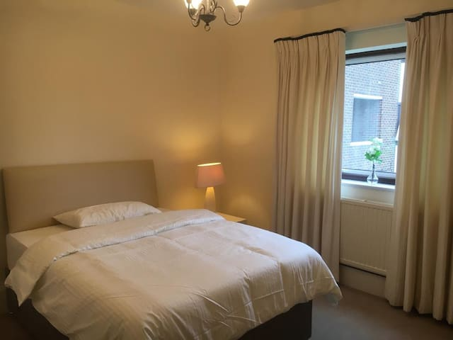 Private Gated Refurbished Double Bedroom