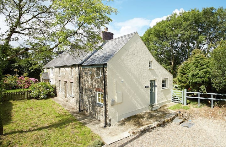 2 Tregroes Cottage