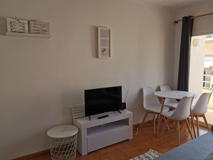 Apartament turístic al centre de l'Estartit 2C