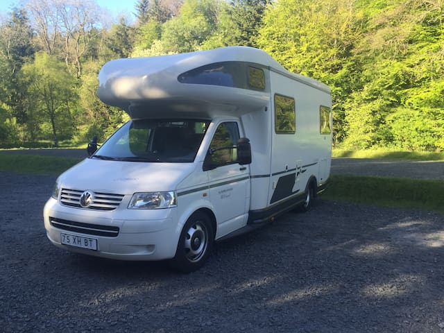 Luxury Motorhome Hire - Karmann Colorado - VW T5 - Tynemouth - Autocaravana