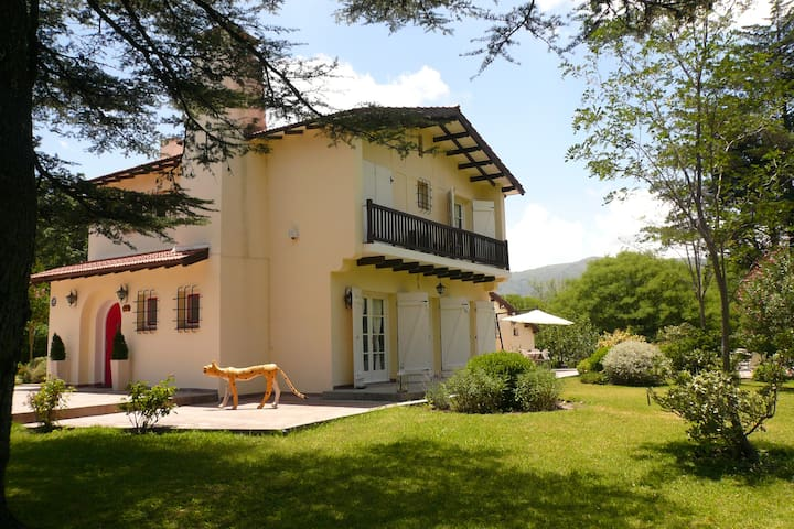 Immaculate Casona in Sierras de Cordoba/Pool/BBQ. - Punilla Dept - House