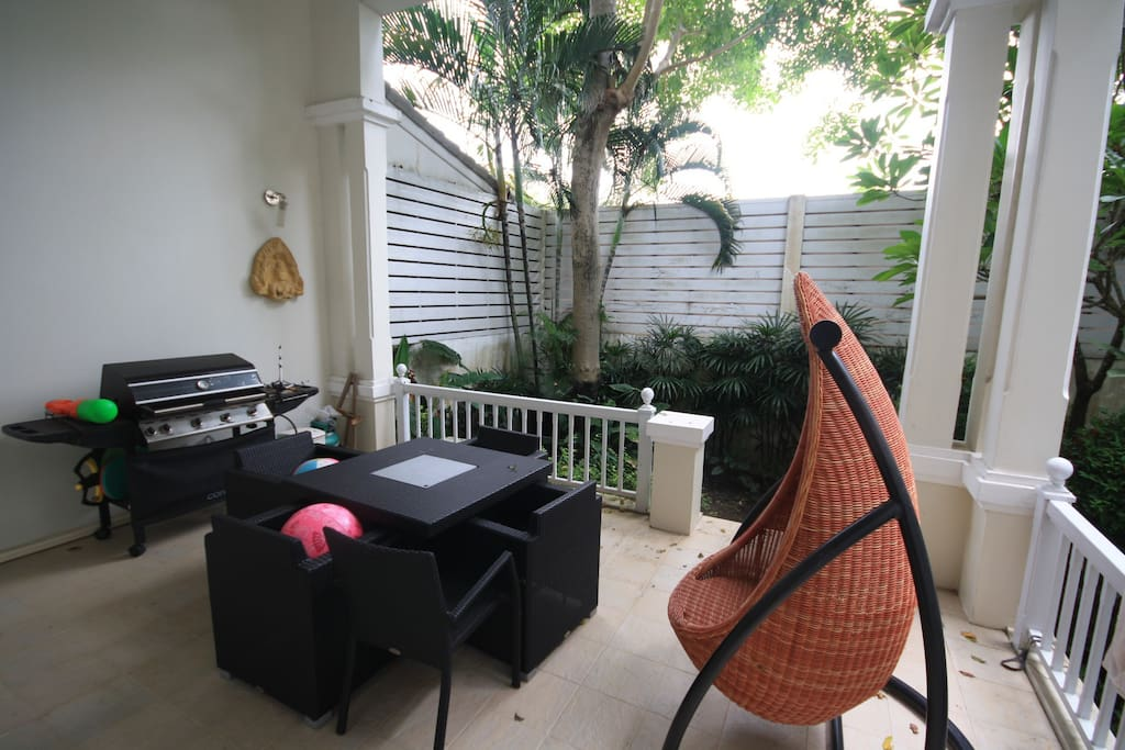 Entertainment Balcony and private garden