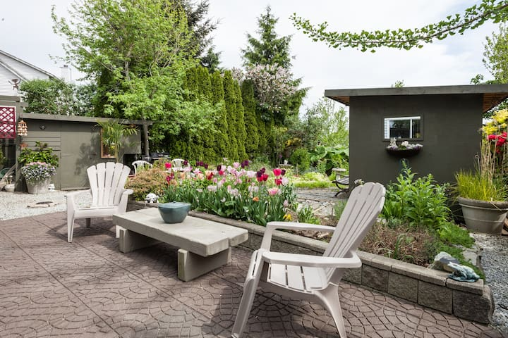 Unique Garden Suite  Surrey BC