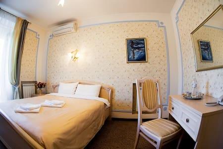 "Комната ""Облака Магеллана"" - Kiev - Bed & Breakfast"