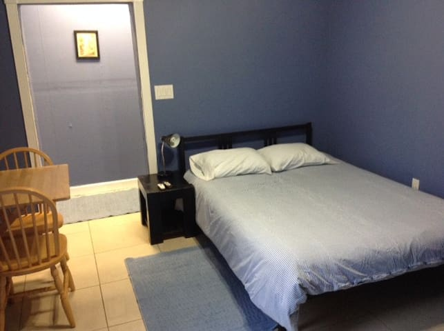 Studio, kitchenette & private bath - Wilton Manors - Bed & Breakfast