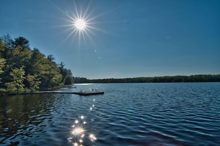 Renovated Lake Front Home - Lake Naomi - Poconos