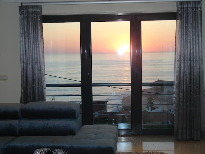 Luxury Apartment- Stunning sea view