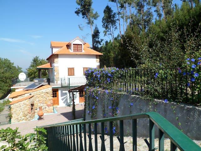 Quinta Lamarinho - Peaceful Farmhouse with Pool
