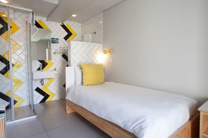 Single Crash Pad (SV) - The MOJO Hotel