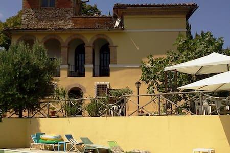 Villa Gabriella - Calvi Dell'umbria - Villa
