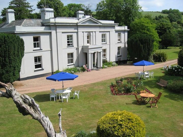 South Allington House B&B Family room