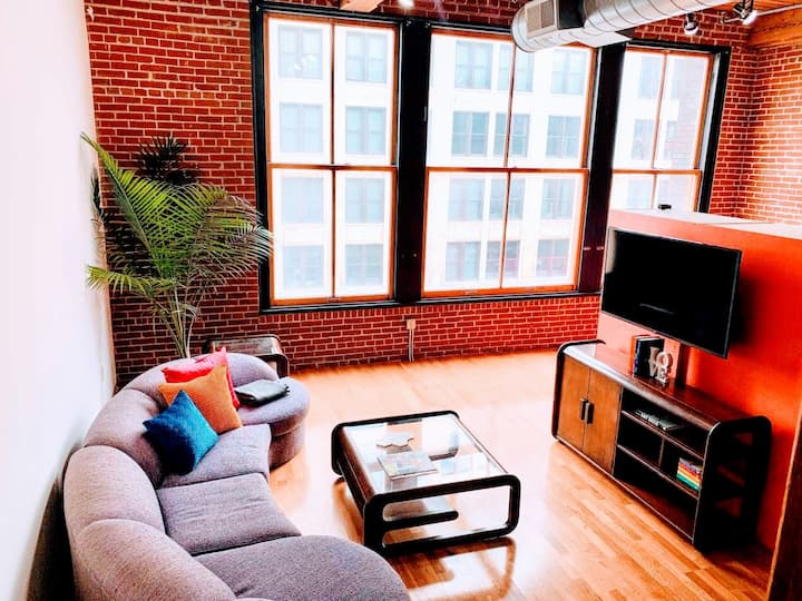 ✦The Pop✦3 Bed DWTN Loft✦Sleeps 6✦Roof Deck✦