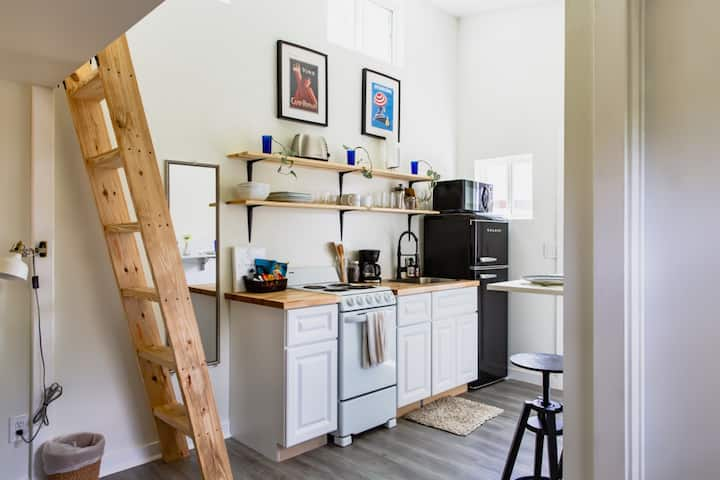 Sweet Tiny Home in East Austin | Kitchen | Private