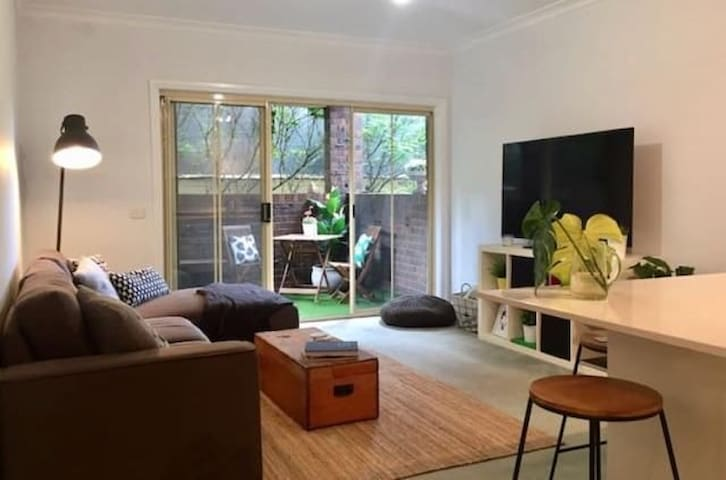 SPACIOUS 2BR apartment 5km to CBD
