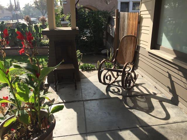 Classic Craftsman Home in OC - Santa Ana - บ้าน