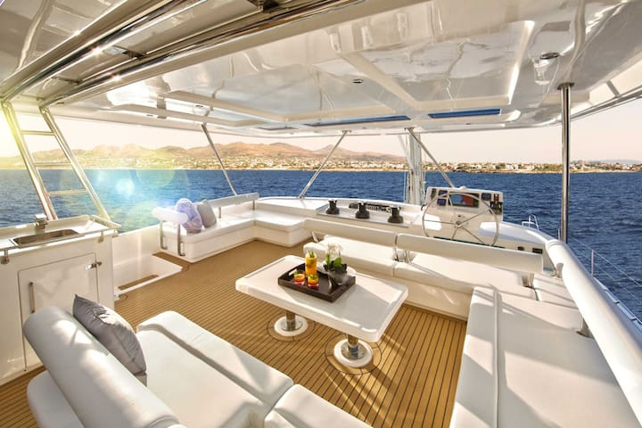 Luxury Catamaran with 4  bedrooms and 4 baths