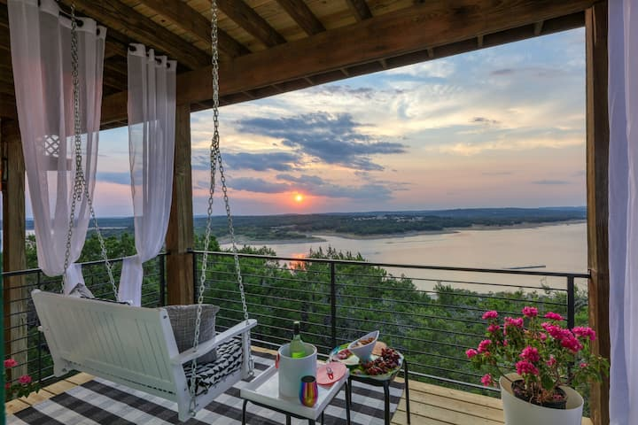Lake Travis! Tiny House Breathtaking Views!