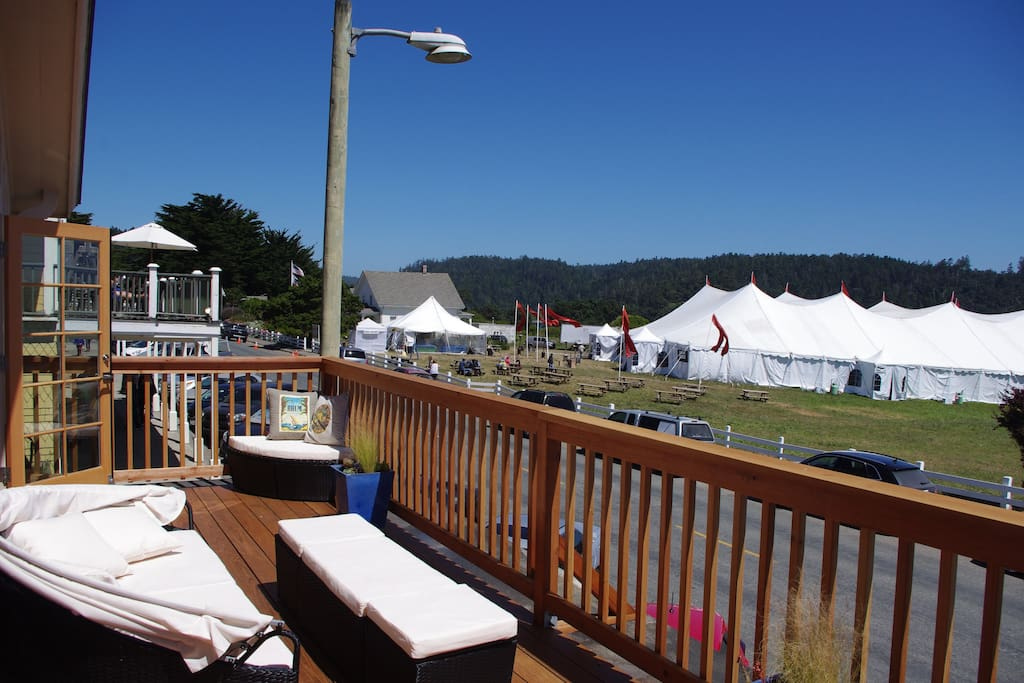 SE view w/Music Festival tent. Any closer and you'd need tickets...