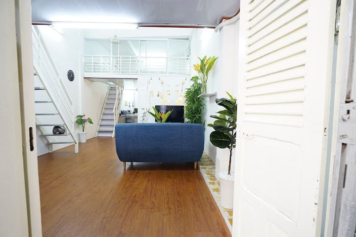 Homestay in downtown 2BR,2WC 3mins to Bitexco