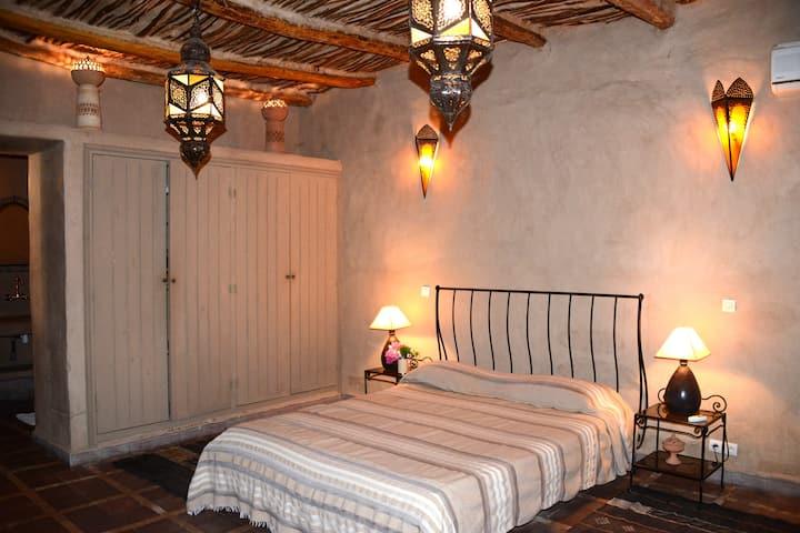 Riad Ain Khadra - Chambre MIEL
