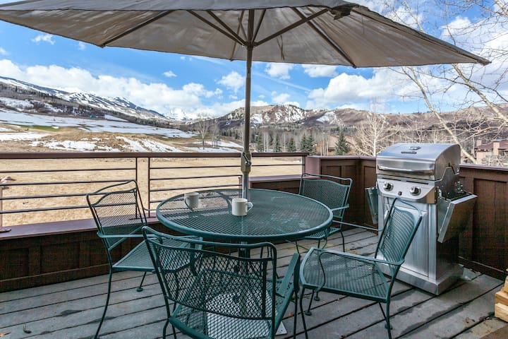 Mountain Condo w/ Ski Area Views - Snowmass Village - Condominium