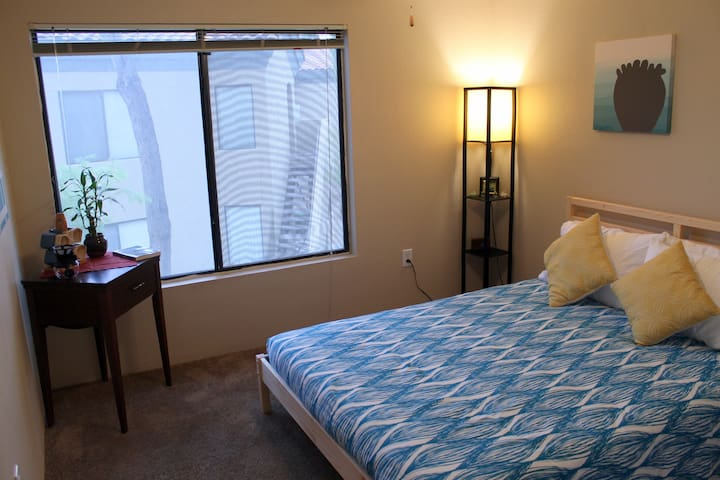 Comfortable Bedroom & Bath in Central Tempe - Tempe - 아파트