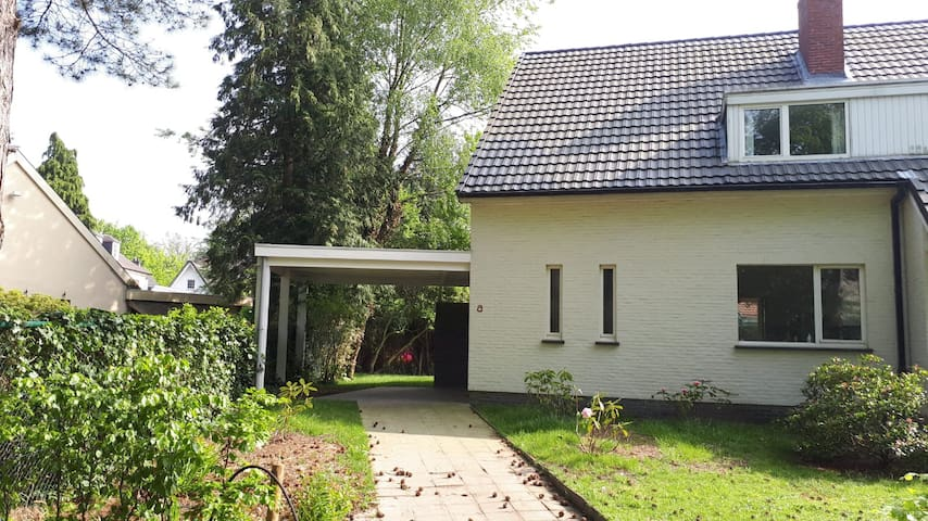House at top location in beautiful Brasschaat