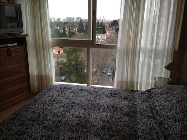 Luminoso y cómodo departamento entero en Olivos