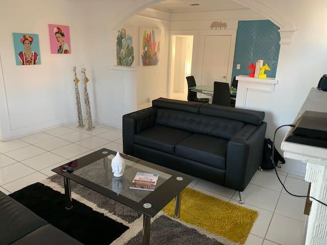 Economy Renovated Hostel in Wynwood Miami
