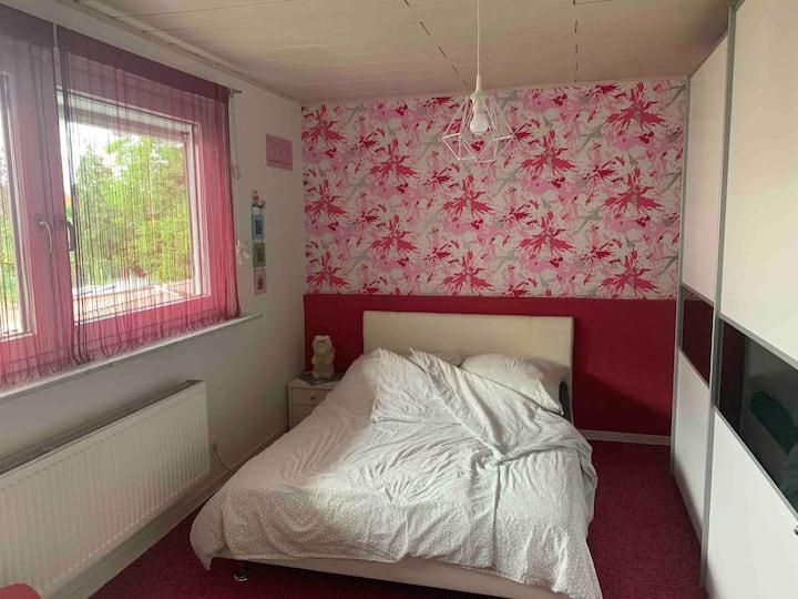 2 Zimmer & eigenes Bad Nähe Hockenheimring !Top