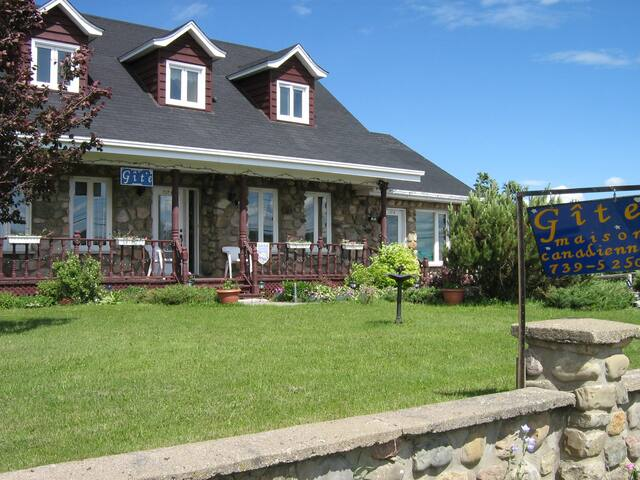 Cottage (The Lovely queen) - Luceville - Bed & Breakfast