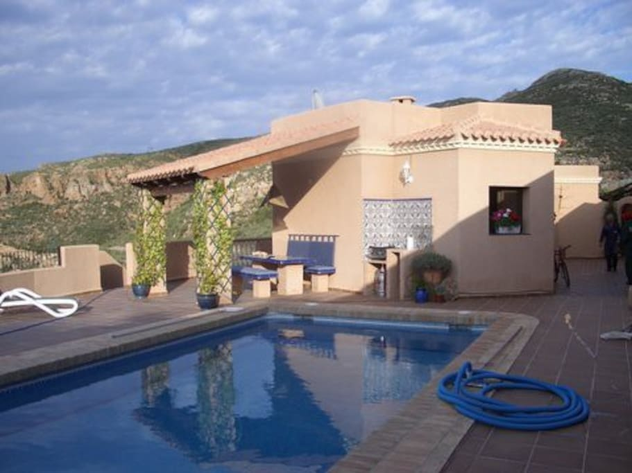 Pool and terrasse with ea