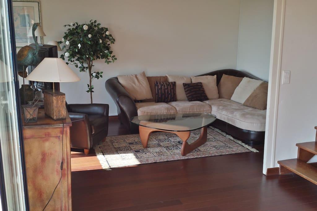 salon avec canapé 5 places