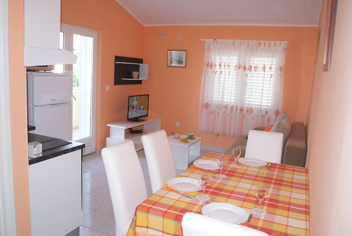 Orange Apartment - Zadar - Apartment