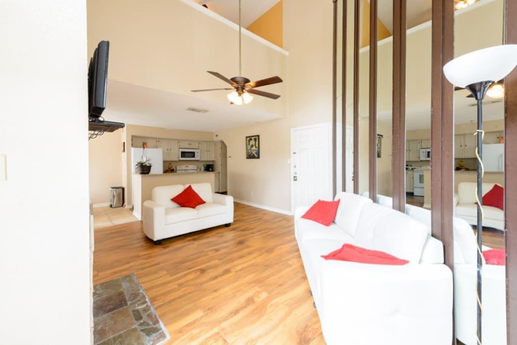 Newly Renovated 2 Floor Condo In North Dallas Apartments For Rent In Dallas