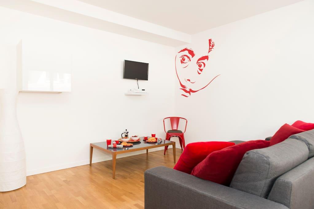 Living room 3 (enjoy a relaxing moment after an exhausting sightseeing day trip) / Séjour 3 (profiter d'un moment de détente après une journée épuisante de visites)
