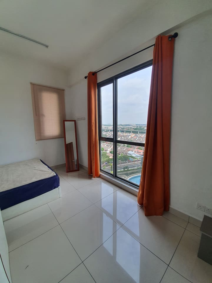 Budget Private Room [WIFI] near LRT & Sunway
