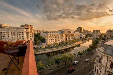 BEST VIEW Bucharest | BAROQUE Rooftop Unique Apt