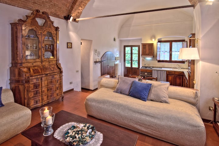 florentine villa -free parking and garden