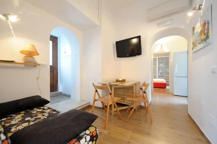 Romantic getaway in the center of Amalfi + wifi