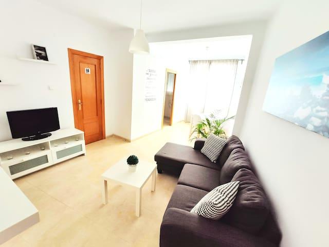 Apartment-cool and comfortable in Ruzafa. Wifi..