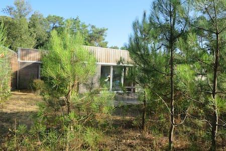 Maison en bois dans les pins - Longeville-sur-Mer - Casa