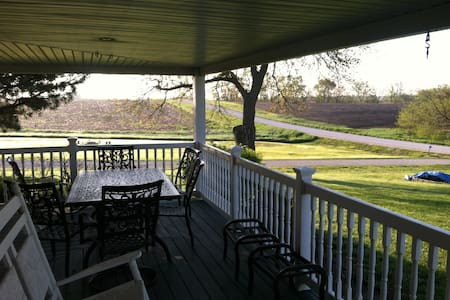Country Home near Lincoln and Omaha - Murdock - Bed & Breakfast
