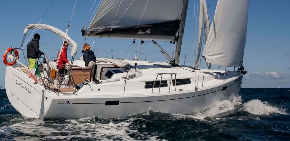 Amalfi-Positano-Capri-Cilento new Hanse385 charter