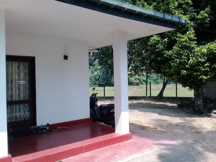 Calm and beautiful house to stay in Bogahagoda