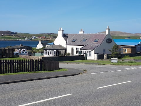 Cosy, Modern Bed and Breakfast in Brae, Shetland