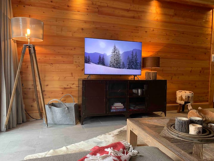 Luxury 8 P apartment in a Chalet on the slopes