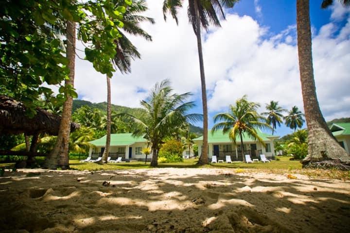 Self Catering Beach Villa- Chalets d' Anse Forbans