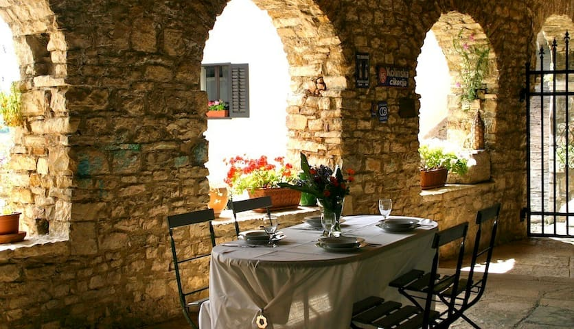 Old Town - Appartement with modern comfort. - Motovun - Daire