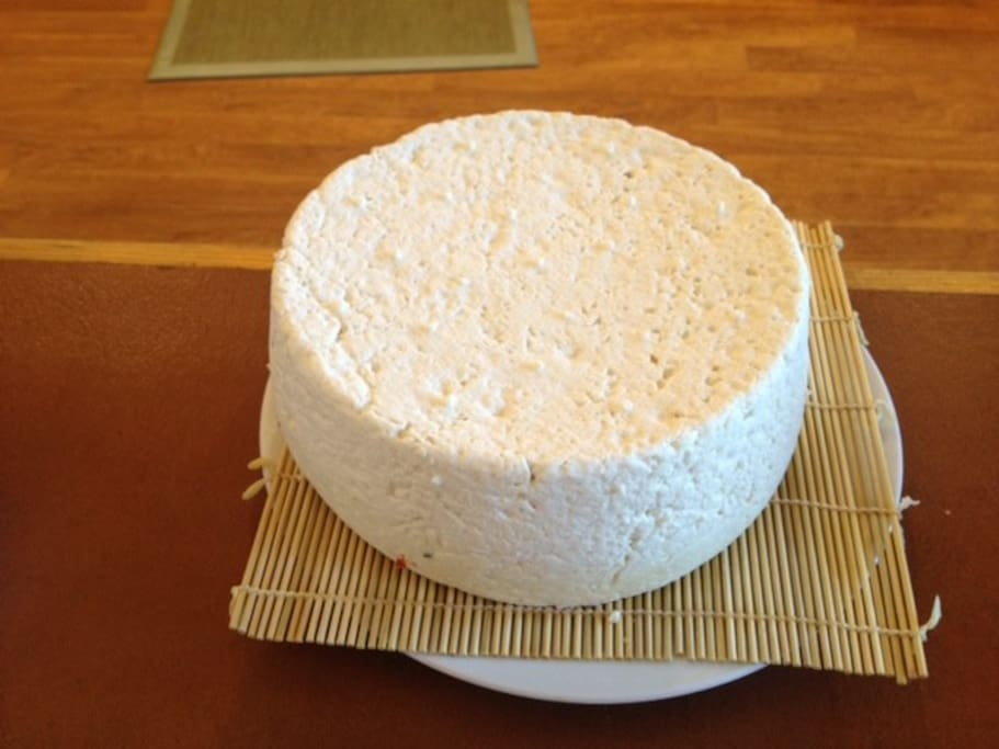 Learn to make cheese in our classes!